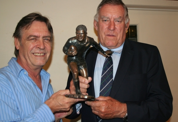 Meads Bronze Presentation to Colin Meads